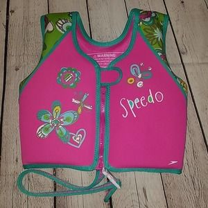 NWOT Speedo pink water life jacket, Age 4-6yrs